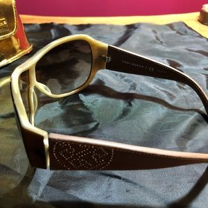 Tory Burch Accessories - Tory Burch navigator sunglasses